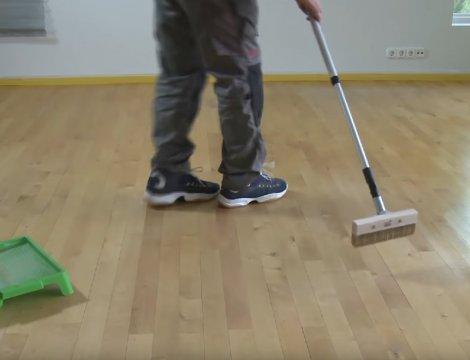 Ako natrieť drevené parkety? Lak, olej alebo voskový olej na drevenú podlahu?