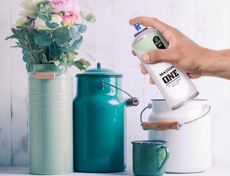 Natieranie plastov pohodlne ako na to a akú farbu použiť?