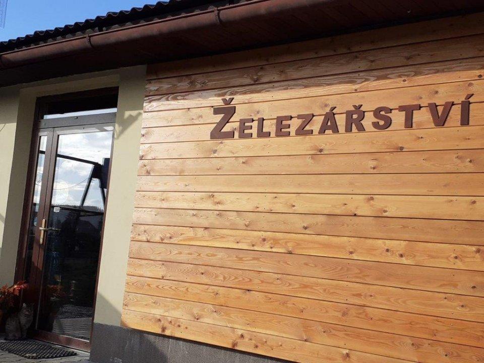 Karbolineum Extra - ochranné napúštadlo na drevo